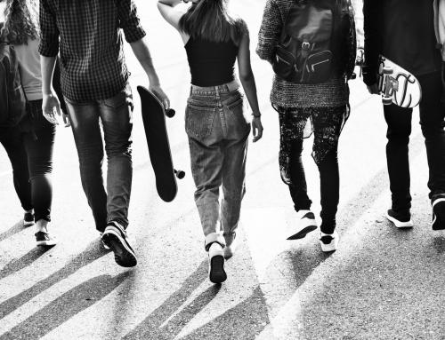 """""""Alla ricerca di se stessi"""": un incontro con i genitori di adolescenti"""